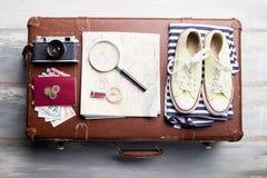 Reisende Ausrüstung für Feiertagsferien Stockfotografie