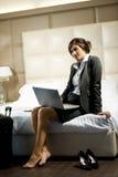 Reisende Geschäftsfrau Stockfoto
