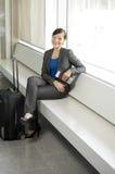 Reisende Geschäftsfrau Lizenzfreies Stockfoto