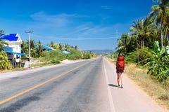 Reisender auf der Straße Lizenzfreies Stockfoto