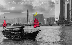 Reisender Hong Kong durch Kram-Boot Lizenzfreie Stockfotografie