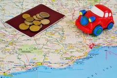 Reisenkarte, -bargeld und -auto Stockfotos