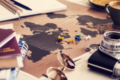 Reiseplanungskonzept auf Karte stockfoto