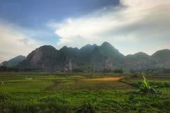 Reisewolken Berg-Hanois Vietnam stockbilder