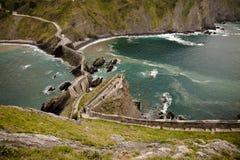 Reiseziel auf atlantischer Küste von San Juan de Gaztelugatxe, baskisches Land, Spanien Lizenzfreies Stockfoto