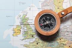 Reiseziel Vereinigtes Königreich und Irland, Karte mit Kompass Stockfotografie