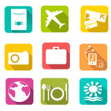 Reispictogrammen op kleurenachtergrond Vector illustratie Stock Fotografie