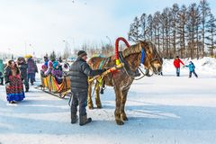 Reiten auf dem Fest des Karnevals Berdsk, Sibirien, Russ Lizenzfreies Stockfoto