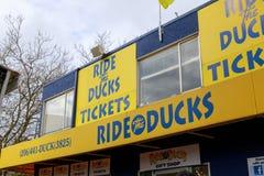 Reiten Sie die Enten, Besichtigungsstadtrundfahrtprogramm in Seattle, Washington Stockbilder
