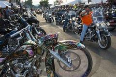 Reiter in der Hauptstraße der Stadt von Sturgis, in South Dakota, USA, während der Jahrbuch Sturgis-Motorrad-Sammlung Stockfotografie