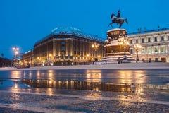 Reiterstatue des russischen Zars Nikolaus I. Es wurde vom Bildhauer Klodt im Jahre 1859 durchgeführt lizenzfreies stockfoto