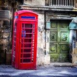 Reizend alte Straßen von Valletta im Stadtzentrum gelegen malta Lizenzfreie Stockfotos