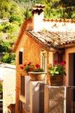 Reizend Haus in Deia-Dorf in Mallorca, Spanien Lizenzfreie Stockbilder