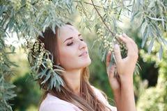 Reizend junge Frau des netten Portraits Stockfoto