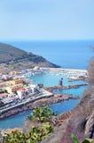 Reizend kleine mittelalterliche Stadt Castelsardo in Sardinien stockfoto