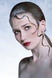 Reizend Mädchen mit kreativer Frisur Lizenzfreie Stockbilder