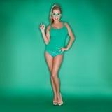 Reizend sexy schöne Blondine Lizenzfreie Stockbilder