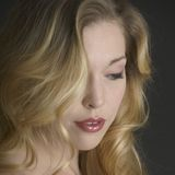 Reizende blonde Braut Stockfoto