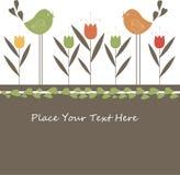 Reizende Frühlings-Auslegung mit Blumen und Vögeln. Lizenzfreie Stockfotos