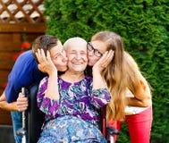 Reizende Großmutter lizenzfreie stockfotos