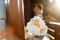 Reizende Szene der Braut und des Bräutigams Stockbild