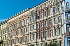 Reizende wieder hergestellte alte Häuser in Berlin Stockfoto