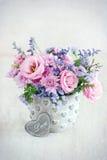 Reizender Blumenstrauß Lizenzfreie Stockbilder
