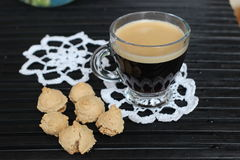 Reizender Tag, Zeit für Kaffee, Frühlingszeit, Muttertag, romantische Farben, Valentinsgrüße stockfotos