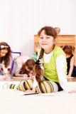 Reizendes kleines Mädchen Lizenzfreie Stockfotos