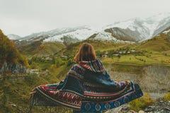 Reiziger in bergen Royalty-vrije Stock Afbeelding