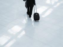 Reiziger bij luchthaven Royalty-vrije Stock Afbeelding