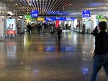 Reizigers gegoten bezinningen Stock Foto's