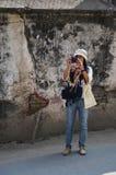 Reizigers Thaise vrouw in Thamel Katmandu Nepal Stock Foto's