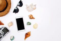 Reizigerstoebehoren op witte achtergrond Royalty-vrije Stock Fotografie