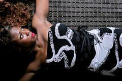 Reizvolle Afroamerikanerfrau lizenzfreies stockfoto