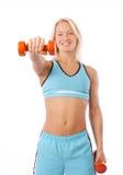 Reizvolle blonde anhebende Gewichte Lizenzfreies Stockfoto