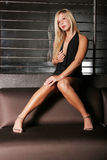 Reizvolle blonde Frau Stockbild
