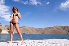 Reizvolle blonde Frau im Bikini Lizenzfreies Stockfoto