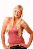 Reizvolle blonde Frau im roten Hemd Stockfotografie