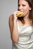 Reizvolle Burger-Frau lizenzfreie stockfotos