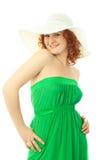 Reizvolle Frau in der Sommerkleidung lizenzfreie stockfotografie