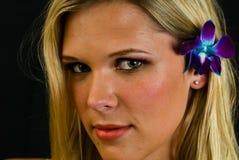 Reizvolle Frau in Headshot Stockfoto