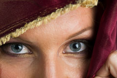 Reizvolle Frau in Headshot Stockbilder