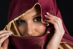 Reizvolle Frau in Headshot Lizenzfreies Stockfoto