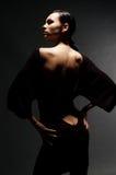 Reizvolle Frau im Kleid mit blanker Rückseite lizenzfreies stockfoto