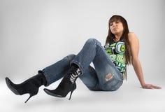 Reizvolle Frau im Studio Stockfotografie