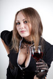 Reizvolle Frau mit Glas Wein Lizenzfreie Stockbilder