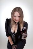 Reizvolle Frau mit Glas Wein Stockfotos