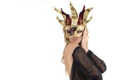 Reizvolle Frau mit Karnevalsvenedig-Schablone Lizenzfreies Stockfoto
