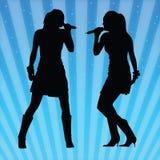 Reizvolle Frauen, die Vektor singen Stockfoto